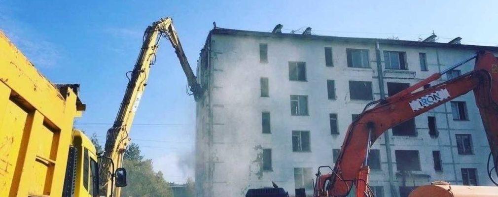 «СПб Реновация» начала разбирать панельную пятиэтажку в Сосновой Поляне